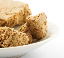 Sos z chałwy - przepis na słodki dodatek do mięs i deserów