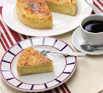 Ciasto baskijskie: zamknięta tarta z kremem gâteau Basque