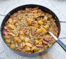 Oszczędne ragout z kiełbasy parówkowej, ziemniaków i marchewki