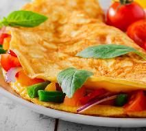 Omlet ze szpinakiem i salsą