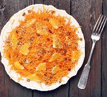 Surówka z marchewki, pomarańczy i rodzynek