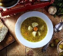 Zupa ogórkowa: przepis na pyszną zupę ogórkową