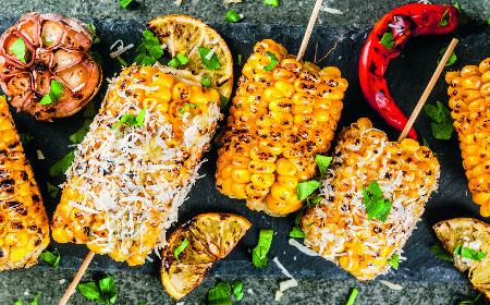 Kukurydza z masłem chili z grilla [WIDEO]