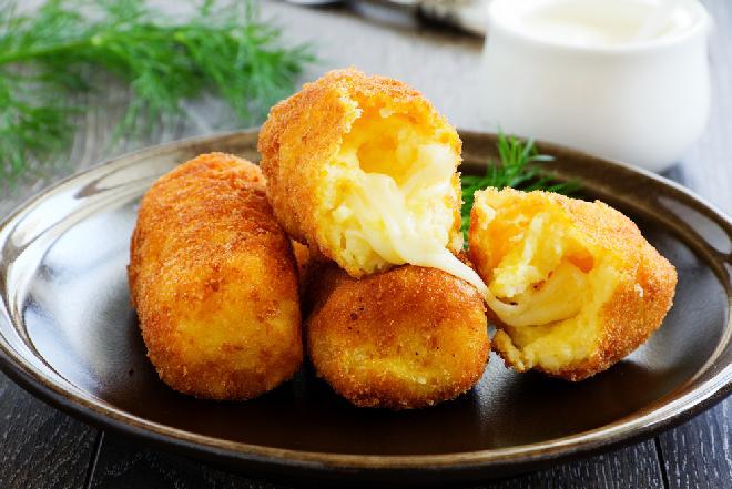 Paluszki ziemniaczano-serowe: pyszny dodatek do obiadu