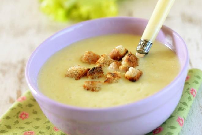 Zupa krem z selera: przepis na danie, które może zaskoczyć smakiem!