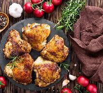 Dietetyczny kurczak z piekarnika, jak smażony! Łatwy przepis na panierowane udka