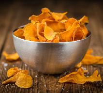 Czipsy ze słodkich ziemniaków: pyszna i zdrowa przekąska domowa