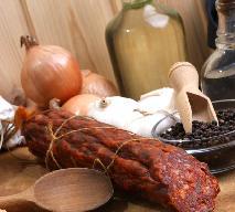 Domowe salami z pończochy - przepis na dojrzewającą kiełbasę z karkówki