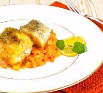 Ryba po grecku - sprawdzony przepis na pyszną rybę [WIDEO]