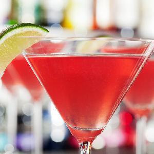 Drink Cosmopolitan: delikatny i zmysłowy, choć z wódki!