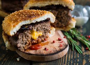 Hamburgery z serem - przepis na hit sezonu grillowego!