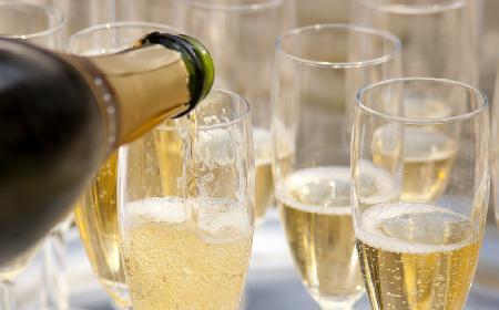 Szampan - czym charakteryzuje się prawdziwy szampan? Jakie są rodzaje szampanów?
