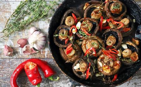 Pieczarki z patelni na ostro - znakomity dodatek do mięs