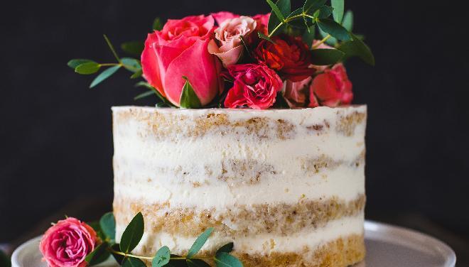 Nagi tort: jak go zrobić?