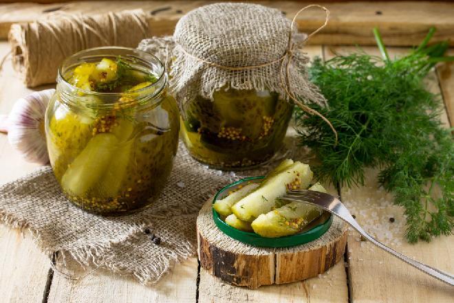 Ogórki KROKODYLKI z chili: przetwory z ogórków na ostro