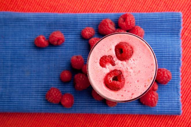 Jogurtowy koktajl z owocami: łatwy przepis